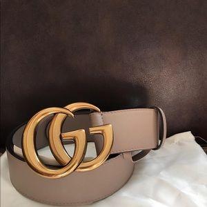 Brand new women's dusty pink Gucci belt